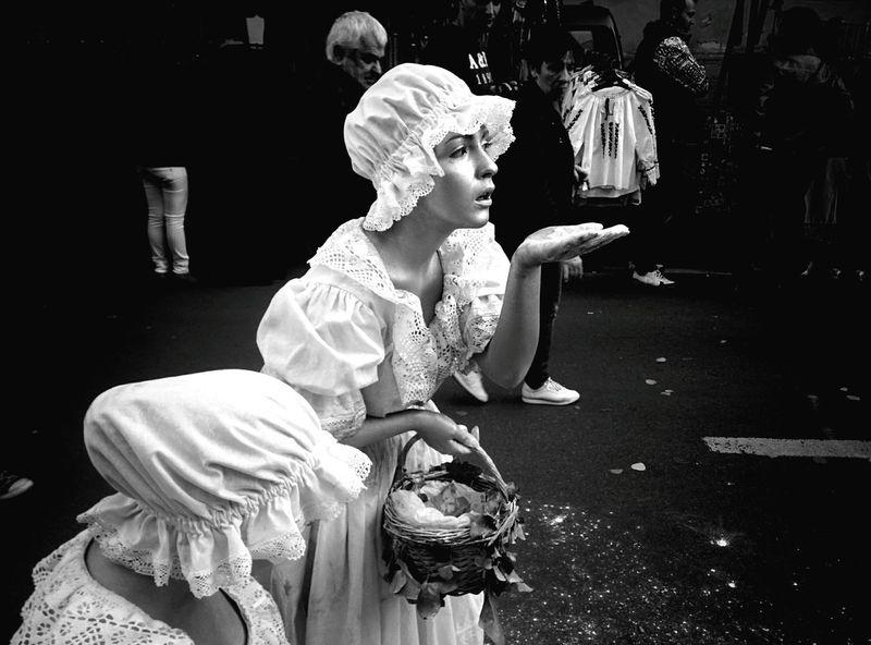 Live Statue Street Art
