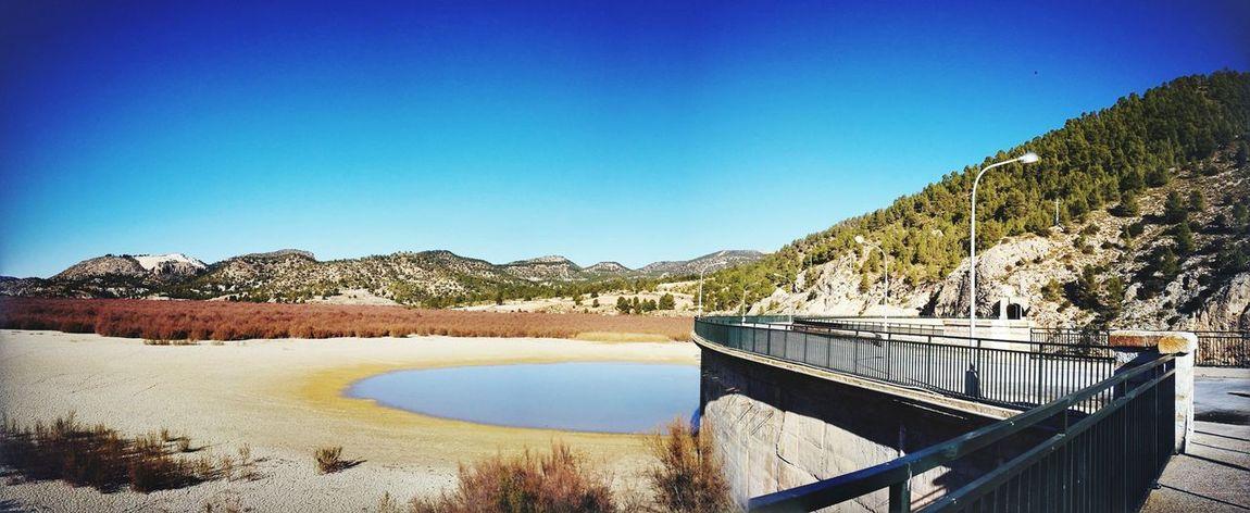 pantano de valdeinfierno Natura Tranquility Relajación Sèquia Lake Outdoors Clear Sky