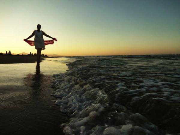 Cae la tarde... Sea Sunshine Enjoying The Sunset Beach Photography