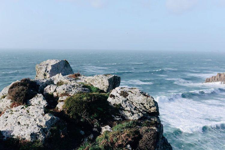 Bretagne Sea Water Horizon Over Water Rock - Object Nature Scenics Beauty In Nature