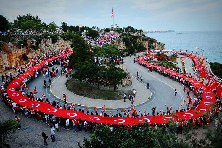 Antalya Konyaaltı Varyant Feneralayı Gururla Onur Yürüyüşü şanlıtürkbayrağı NeMutlu Türküm Diyene!