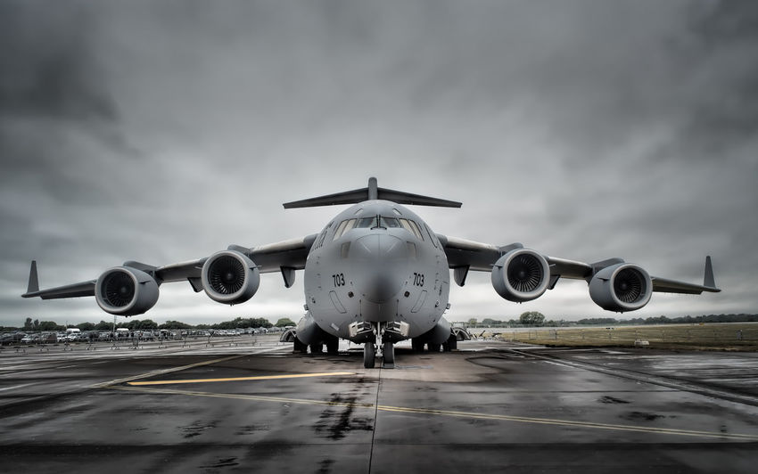 Airplane Air Vehicle Aircraft C17 Airshow Military Aeroplane AirPlane ✈ Aviationphotography Air Force Aerospace Industry Symmetry Symmetrical C-17 Globemaster