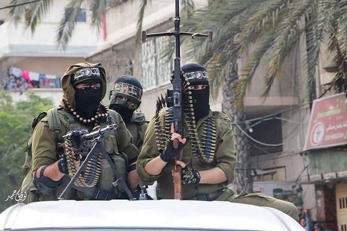جنود كتائب القسام خلال عرض عسكري في غزة. من تصويري ،، ! تصويري  صور صورة_اليوم