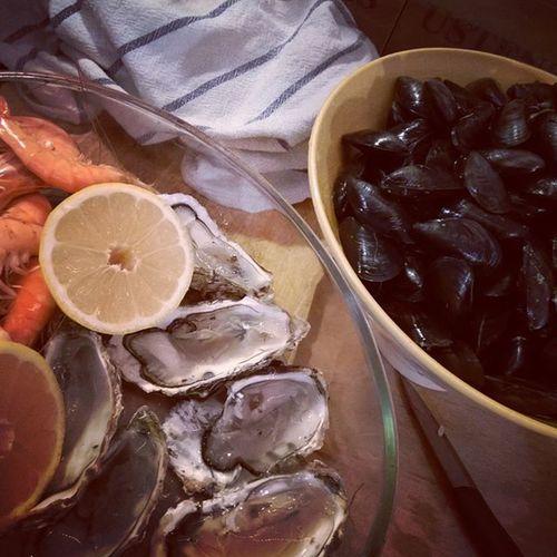 Sea Side mood. Bouzigues Bouchots Crevettes Huitres Moulesfrites Plancha Home
