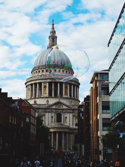 London Lifestyle London Cathedral French #French Girl French Photographer Love Bubbles