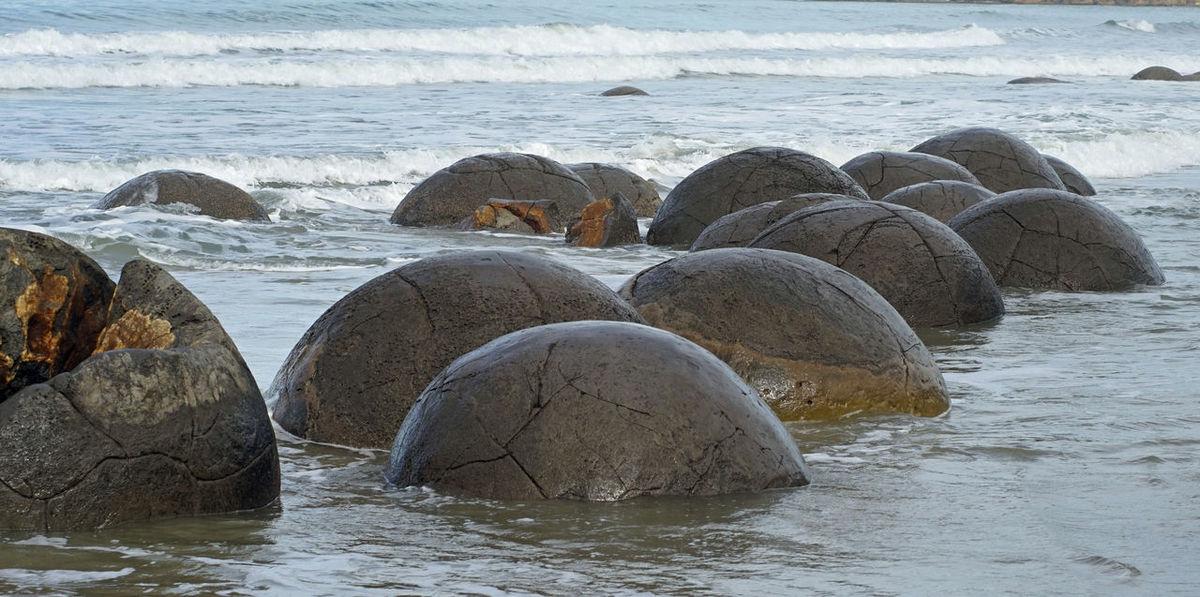 Beauty In Nature Moeraki Boulders New Zealand No People Prehistoric Stone Balls