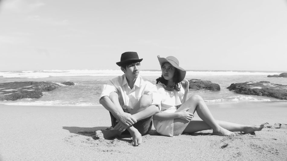 Blackandwhite Landscape_Collection Beachphotography Prawedding Outdoors Couple - Relationship Taking Photos
