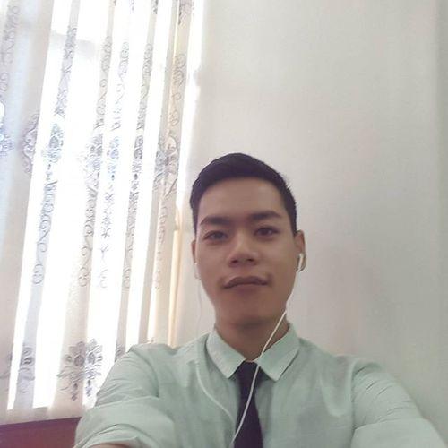 Officetime Daystart Selfie