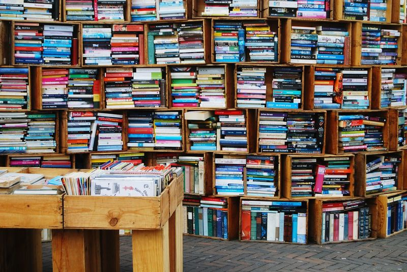 Books Used Books Secondhand Used Secondhand Bookstore Market Secondhand Books Market Stall Marketplace Dutch Dutch Cities Leiden Travel Travel Photography Netherlands Nederland City City Life Urban Hardcover Paperback Colorful Chaotic Chaos Rommel