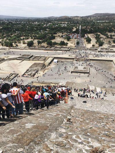 Masses Tourists Pyramids