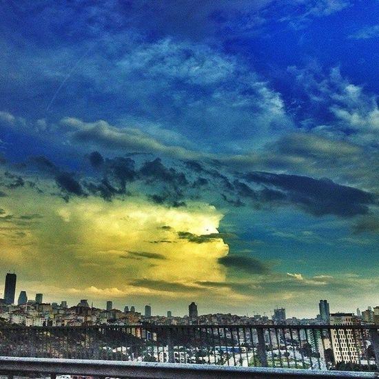 3 temmuz devrimi Gokyuzu nde... Sarilacivert Fenerbahce  Sadabad viyaduk istanbul sky skyporn color hdr hd 3temmuz manzara nature 1907