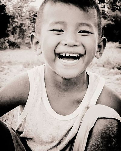 Only smile...Blackandwhite Landofsmiles People Thaistagram Photooftheday Picture Picoftheday Natgeoyourshot