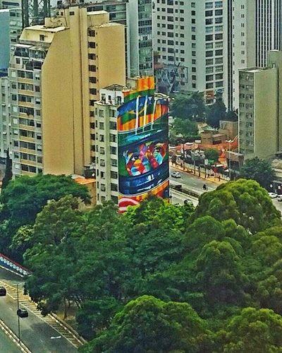 Click de hoje. Visão do serviço ❤📷 ILOVESP Artes Grafite Ailtonsenna SAMPAcity Saopaulo Reboucas Vscocam VSCO Photographer Photo Love Vistadacidade Instagram Cidadedesp Cultura
