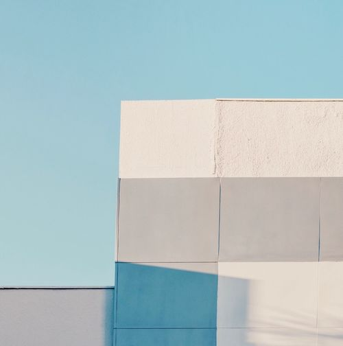 Minimal Minimalism Geometric Shape Urban Lines And Shapes Geometry Simplicity Urban Geometry Blue Wall - Building Feature Architecture Built Structure No People Day Clear Sky Building Exterior Copy Space Sky Sunlight Wall Pattern Outdoors Turquoise Colored