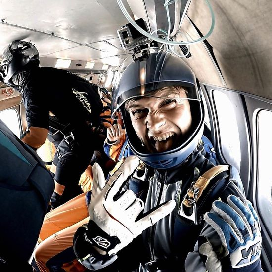 Beahero Extreme Sports 4000m Skydive Skydiver FlyorDie Go Higher