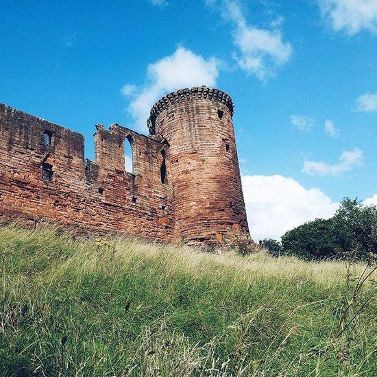 Bothwellcastle Lanarkshire Castle Old Ruins IgersScotland Insta_Scotland Instascotland Vscocam VSCO Vscotland VisitScotland Explorescotland Instagood Latergram Ig_Scotland