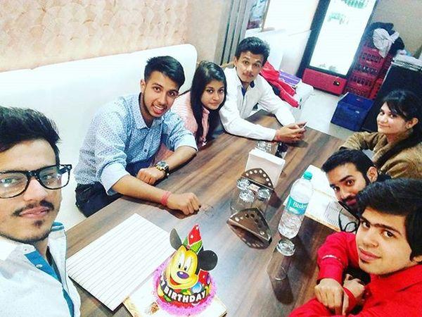 Enjoyed to fullest at her birthday.(mahi)..Masti Khana Peena Fullkhap Extremely Enjoyble Moments ..