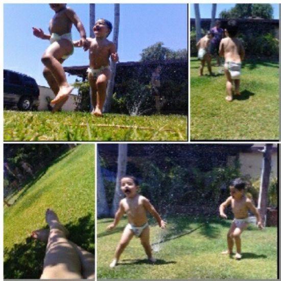 Who needs a pool? LittleBrothers Saggydiaper Relaxingtime BigSister gettingkisses cuties jumping weeeee