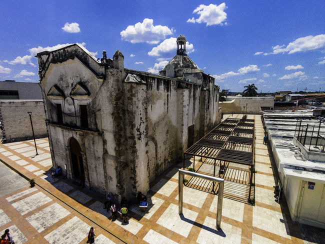 Iglesia de San Juna de Dios ArquiteturaeUrbanismo Church Drone  Architecture Arquitectura Building Exterior Built Structure Church Architecture Cloud - Sky Cúpula Day Drone Photography Iglesia Iglesia Católica  No People Outdoors San Juan De Dios Shadow Sky Sunlight