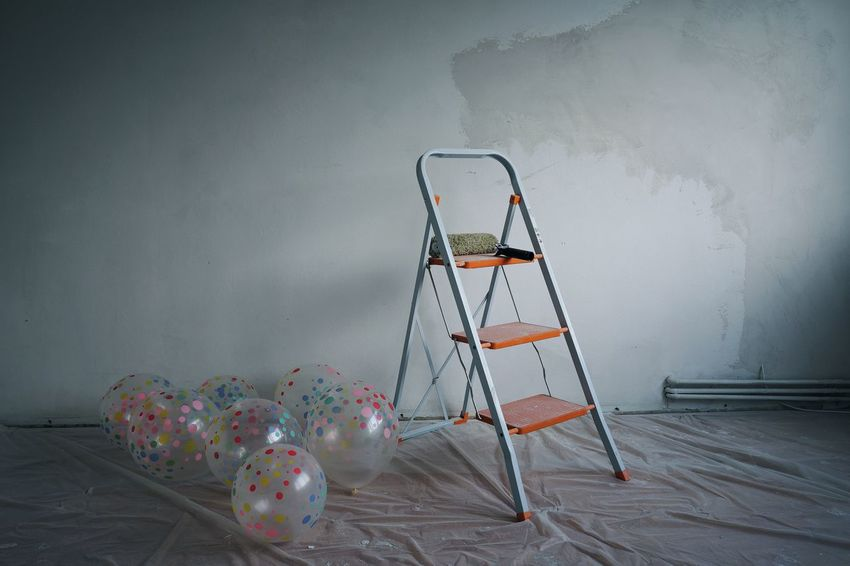 Balloons Dots Interior Room Empty No People Colors Colours Step Ladder Ladder Paint Roller Renovation Home Improvement Home Addition Deterioration Abandoned Run-down Bad Condition Wall - Building Feature Brush DIY