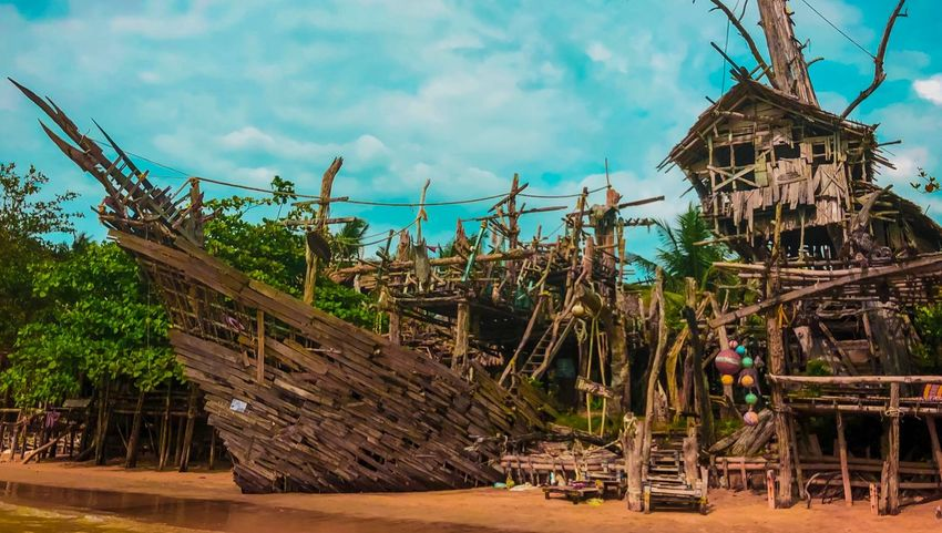 Jack Sparrow Pirate Ship Jack Sparrow Ship Pirates Cove Sky Wood - Material Day Cloud - Sky Built Structure Outdoors Architecture Nature