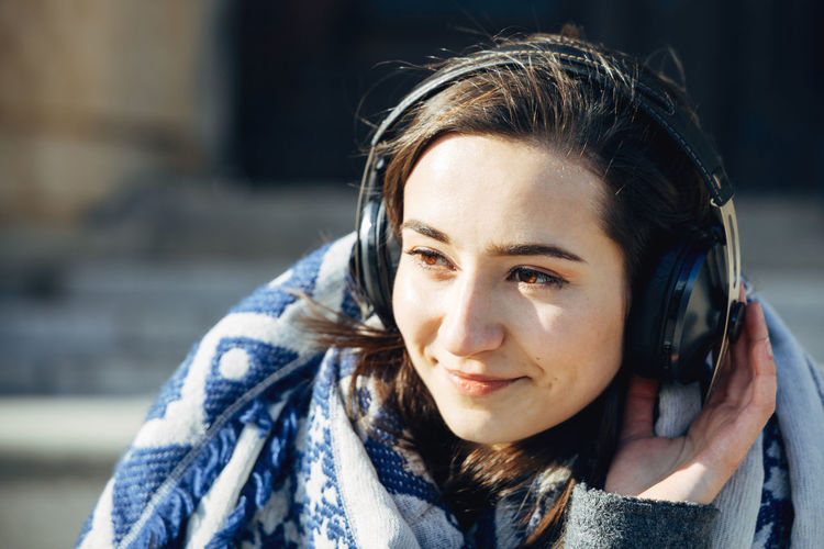 Listen to the music Portrait One Person Headshot Real People Front View Smiling Beautiful Woman Young Women Women Day Outdoors Scarf Teenager Warm Clothing Headphones Listening To Music Creator Meets Vienna Vienna Sennheiser Sennheiser Headphones Canonphotography Canonaustria Creator Meets Creatormeets Analogue Sound The Portraitist - 2019 EyeEm Awards