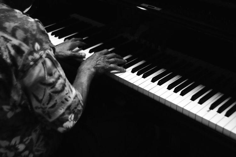 Piano Moments Analogue Sound