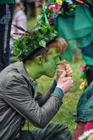 Jack In The Green Festival Jack In The Green Hastings East Sussex May Day 2017 Pagan Pagan Festival Men One Man Only Only Men Adults Only Smoking Rural Scene Face Paint Celebration Freshness Sitting Outdoors Focus On Foreground Young Adult Real People Arts Culture And Entertainment Multi Colored Cultures Live For The Story Sommergefühle