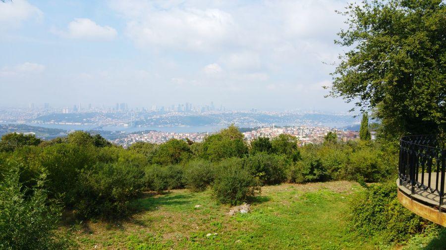 ıstanbul, Turkey Camlicadakahvaltikeyfi Bogaz Manzarasi Mavi Ve Yesil Metropol