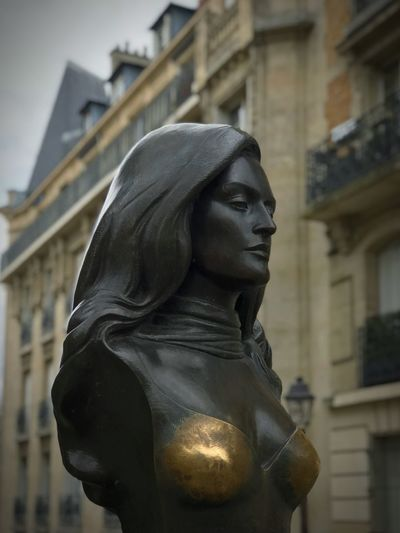 Dalida Sculpture Art And Craft Statue Representation Architecture Human Representation Focus On Foreground