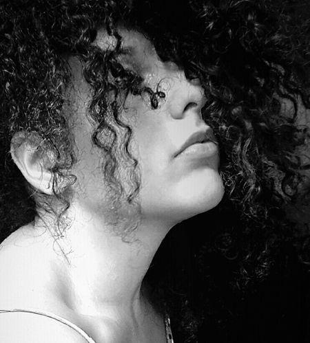 La vita e i sogni sono fogli di uno stesso libro: leggerli in ordine è vivere, sfogliarli a caso è sognare First Eyeem Photo Me Girl EyeEm Girl Chiaroscuro  Black And White Sicilian Girl Delicate