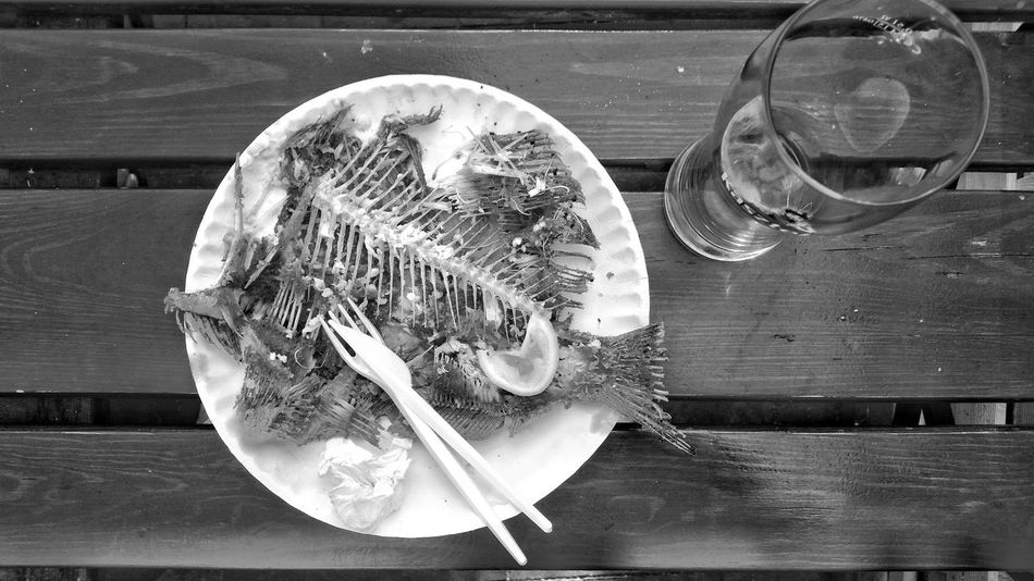Ości / Fishbones Fish Fishbones Still Life Bnw Bnw_collection Bnw Photography Black Blackandwhite Table Glass Food Food Photography food stories Foodpics Monochrome Table Drinking Glass Close-up