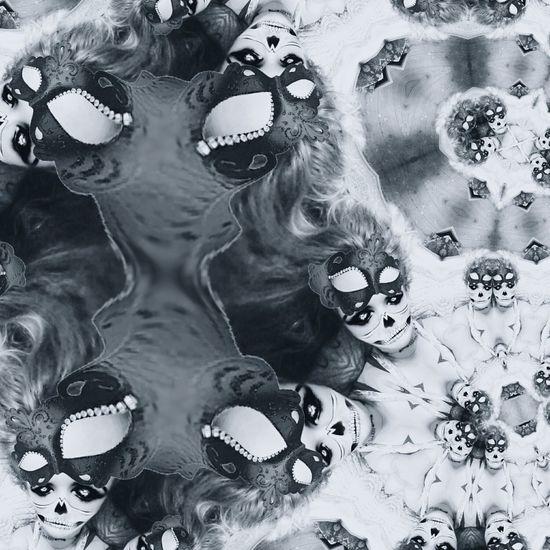 Liquid Art Skulls💀 Illuminated Symmetry Refraction Metallic Pattern Microscope Slide Flower Power🌼 Flowerporn Silveraccessories Water Reflection Rosemary🌹 Art Is Everywhere Fragility Microbiology ArtInMyLife Liquid Metal Wallpaper Backgrounds Creativity Silver - Metal Human Body Part Shape