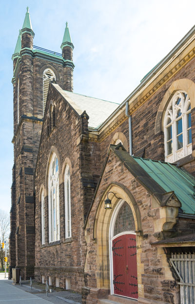 Bloor Street St. United Church. The landmark heritage building bears pollution black stains from the Toronto Industrial Period Architectural Detail Architecture Bloor St Bloor Street Built Structure Christianity Christianity .. Church Day Details Heritage Industrial Era Industrial Perio Landscape Old Pink Stoen Pink Stones Pollution Stone Walls Temple Tourist Attraci United Church Vintage Walls