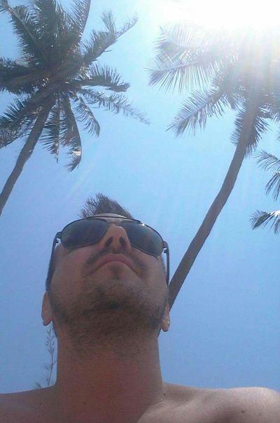 Selfie Portrait Selfie Summer Beachphotography Sky Palm Trees Palmtree EyeEmBestPics EyeEm Best Shots