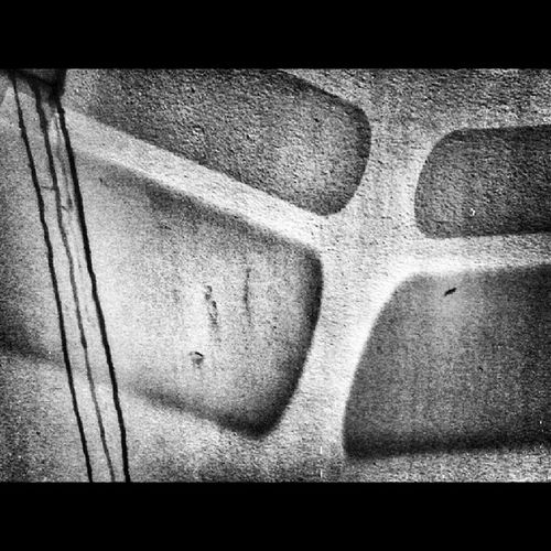 Afirmatywneszturchaniekijem Abstrakcja Igersgdansk Mobilnytydzien streetphotography Street Sopot ulica Urban miasto city bnw bw