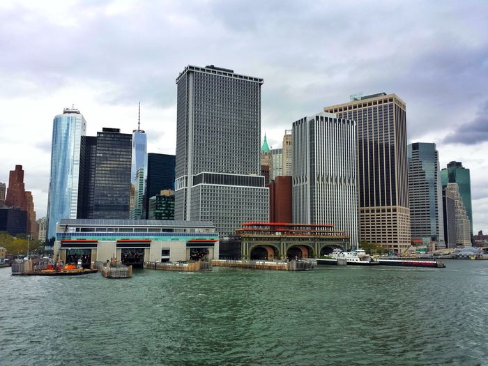 Skyscraper Architecture Modern Cityscape Urban Skyline Building Exterior City Water Cloud - Sky Downtown District Outdoors Bridge - Man Made Structure Day Sky Built Structure No People Ferri EEUU🇺🇸 NYC Travel EyeEmNewHere Connected By Travel
