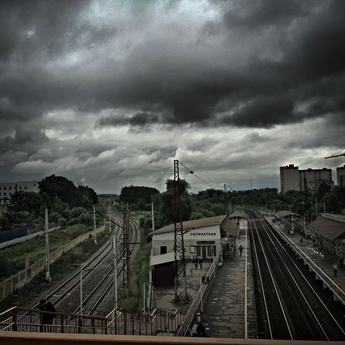 HDR Podolsk Railroad Silikatnaya clouds