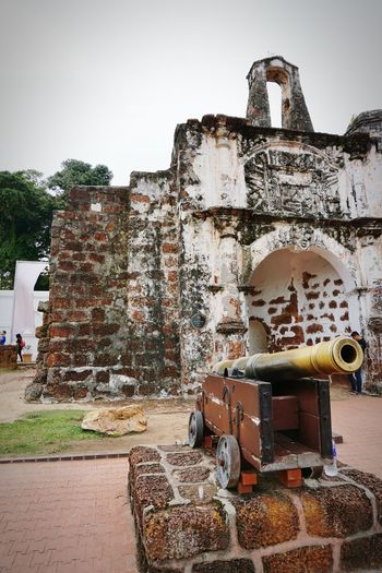 Porta De Santiago, Malacca 500years Old Alfonso Dealbuquerque Bastion De Santiago History Ancient Abandoned Old-fashioned Built Structure Old Ruin Architecture Day Industry Factory No People Outdoors Sky The Week On EyeEm EyeEm Selects EyeEmNewHere Been There. The Street Photographer - 2017 EyeEm Awards Ancient Civilization