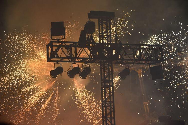 Motion Silhouette Water Sky Glowing Glow Orange Explosion Fire Sparks Fireworks Cloud - Sky Enjoyment Freedom Hull 2017 Hull City Of Culture 2017 City Of Culture 2017 Freedom Festival 2016 Concert