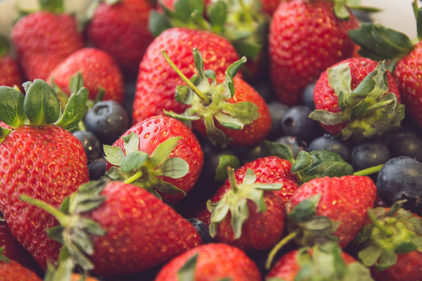 Strawberies close-up Freshness Romantic Berry Fruit Blueberries Close-up Food And Drink Freshness Fruit Healthy Healthy Eating Indoors  No People Raspberry Red Smoothie Straw Sweet Food Tasty