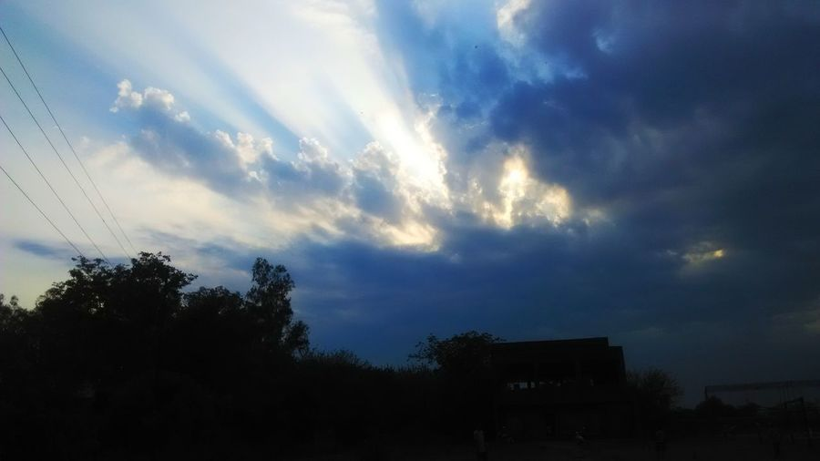 Cloud - Sky Sky Dramatic Sky Silhouette Outdoors No People Nature Beauty In Nature Day Tree Beautiful Clouds Cloud Rays Of Light
