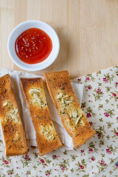 Homemade Baked Pastry Item Bread Bread Sticks  Close-up DIP Flatbread  Food Food And Drink Freshness Garlic Bread Healthy Eating Indoors  Italian Food No People Pita Bread Ready-to-eat SLICE Toasted Bread