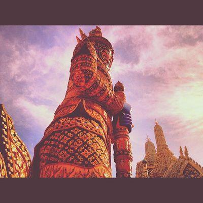 Giant thaistyle 🙏Giant BIG Temple Bangkok Thailand Thaistyle Thaiheart Thaionly Amazingthailand WatPhraKaew Instargram Thaicuture