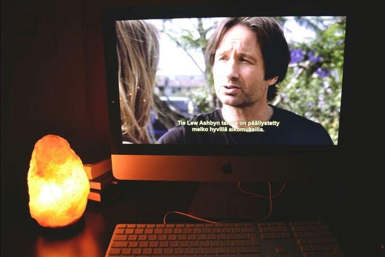 Californication Tvshow Relaxing Night Apple Imac Himalayan Saltlamp Lamp