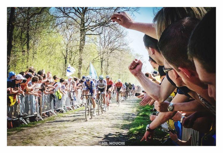 Paris-Roubaix in bos van wallers. Parisroubaix Cycling Wallers Arenberg Sport Peter Sagan Sagan Fujifilm_xseries Fujifilm People Outdoors Large Group Of People Sky Cyclisme