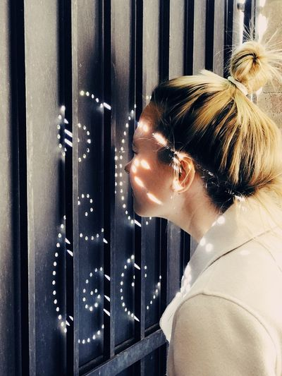 Through the peephole. Dedicated to La Biennale Di Venezia