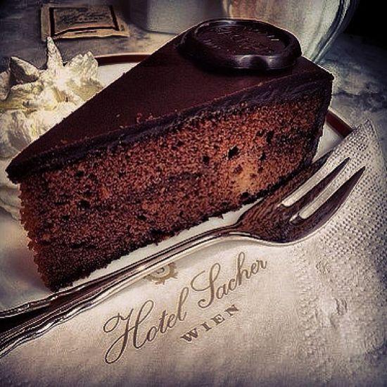 Love Sacher Torte Sachertorte Original Austria Vienna Wien Dolci Buonissima Eccellenza Cioccolato Cacao Chocolat Aleatico Cibo Gusti Ricordi Infanzia Feeling Emozioni Follow Fortuna