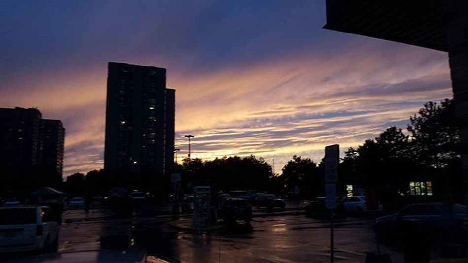 Friggen rained all day but hey, what a sight to end the day with! Nofilter Sunset Views RainyDay Evening Worthit Photography Sightseeing