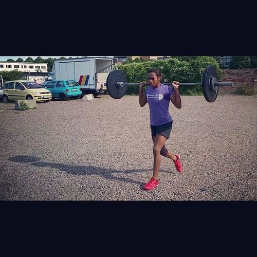 If you think its easy, make it harder and challange yourself Crossfit Runningwithweight Fitness challangedeterminationrunnerjustdoit weightrunnergirlsthatlift